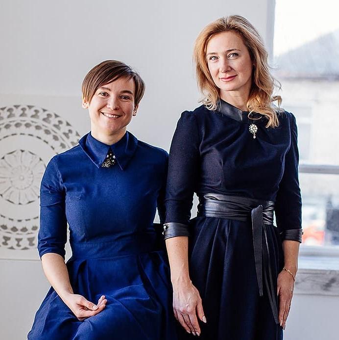 Дизайнеры студии Мисс Штора Елена Мадых и Ольга Савенкова